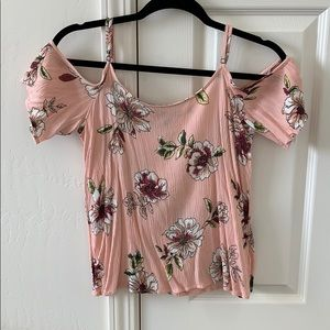 Floral top size small